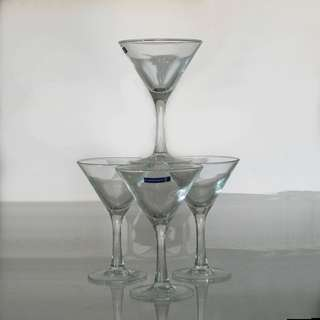 Luminarc Martini glasses (4)