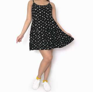 Forever21 Cute Daisy Black Pleated Dress