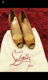 Authentic louboutin nude size 38