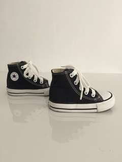 Baby Shoes: Converse Chuck Taylor