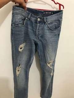 TERRANOVA ripped Jeans Size 30