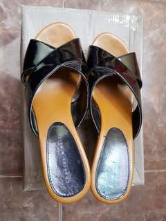 charles n keith - wedges