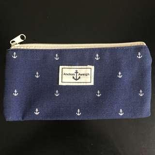 Navy anchors pattern zipper pouch