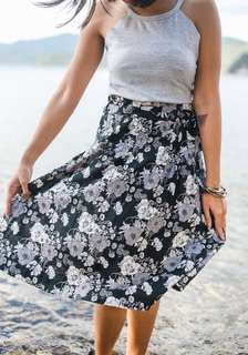 H&M Black and Gray Floral Tea Length Skirt with Adjustable Drawstring