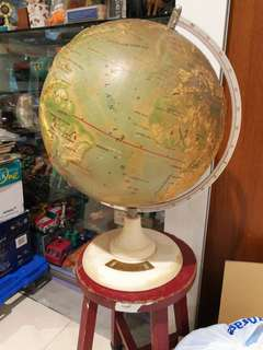 "1960's 14"" globe with Chinese description"