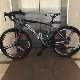 Road bike/ race bicycle