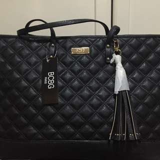 BCBG QUILTED BLACK TOTE BAG WITH TAG