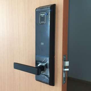 Schlage S-6800 Fingerprint Digital Lock for HDB Fire Rated Main Door (Call 87828818)