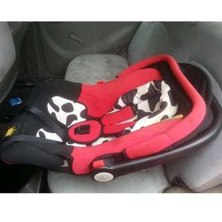 Baby car seat, carrier & cradle (3 in 1)