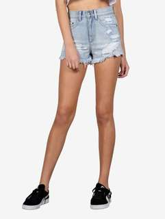 Dead denim shorts