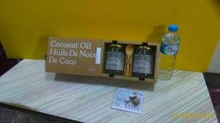 聖馬羅國際【ST.MALO】斯里蘭卡 頂級冷壓初榨椰子油 500ml *2 — 全新原裝禮盒  附使用. 功效說明書  自用 餽贈皆相宜 ~~