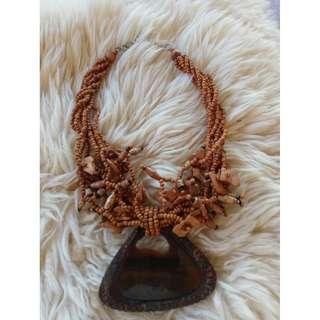 Tahiti coral necklace