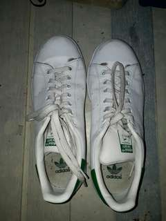 For sale! Preloved shoes! Addidas original from US.