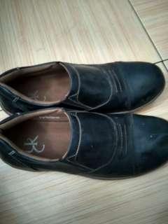 Sepatu Slip On Yongki Komaladi