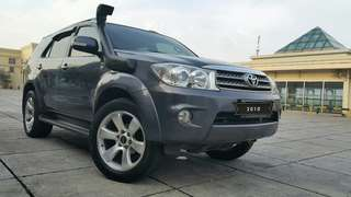 Toyota Fortuner G 2.5 at diesel 2010 abu2 tua metalik
