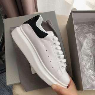 Alexander Mcqueen 經典時尚女鞋 白黑