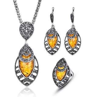 Cute petal bee wax filled pendant necklace earrings ring set