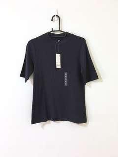 全新Uniqlo深藍壓紋上衣