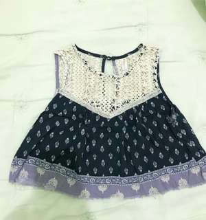 Crop top / size small