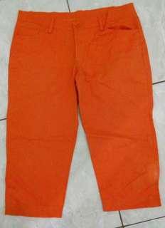Celana 3/4 Orange