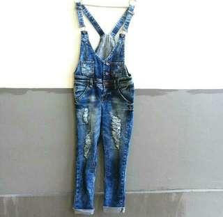 Jumpsuit Jeans Ripped Tidak Tembus