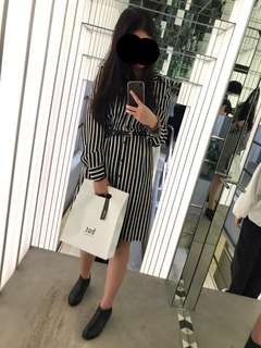 🚚 黑白直條紋洋裝