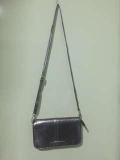 Pre-loved CLN sling bag