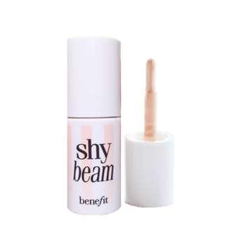 shy beam Benefit highlighter