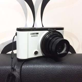 Casio Exilim ZR3500 White (pocket camera)