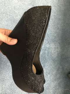 Black Lacey Wedges Pumps
