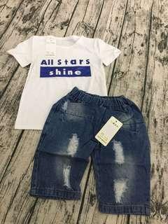 全新字母上衣+牛仔褲