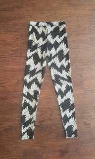 Mesh Patterned Leggings