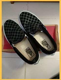 Slip on checker