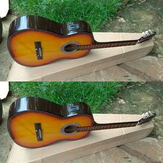 Gitar akustik elektrik murah