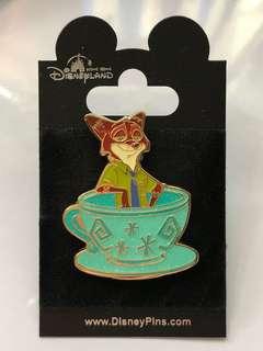 Disney Pins 迪士尼襟章
