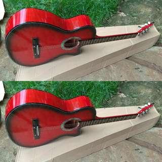 Gitar akustik red