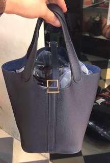 正品 全新 Hermes Picotin 18 2Z 夜空藍色金扣手挽袋