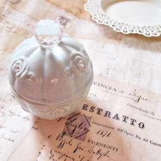 超美陶瓷壓克力鑽石圖案雕花玫瑰收納盒子 收納飾品 化妝棉 書桌 化妝台擺飾