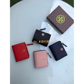 精品代購TORY BURCH最新款十字紋牛皮短款錢包 內搭不同顏色的小牛皮 六個卡位