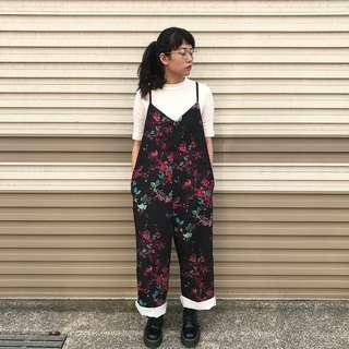 Bkk設計款 我是一朵花質感吊帶褲 (黑)