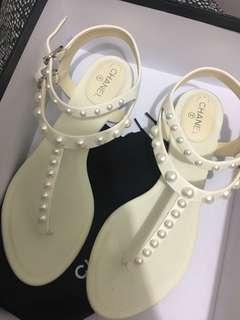 Chanel珍珠涼鞋