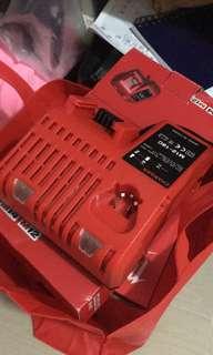 全新美國版milwaukee M18電卜鈚連一3.0電一充(電有藍牙追蹤)