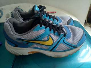 Preloved sepatu nike / sepatu nike / nike air preloved / sepatu running / nike running preloved