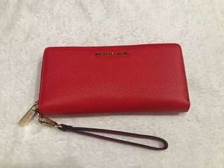 Authentic Michael Kors Traveller Continental wallet