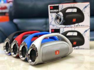 Wireless boombox speaker