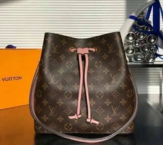 Handbag LV Neo