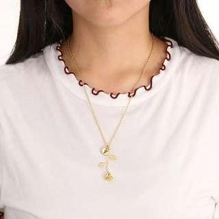 Customizable rose necklace