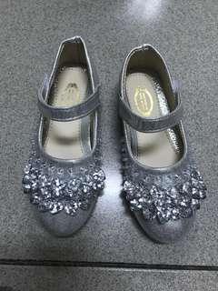 🚚 銀色水晶鞋韓版小女孩亮片公主鞋娃娃鞋便鞋