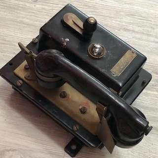 🚚 收藏品 英國皇家海軍(Royal Navy)艦載用電話機 軍用電話