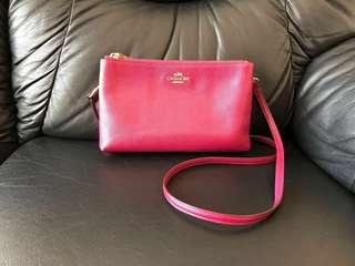 Preloved COACH sling bag ORI